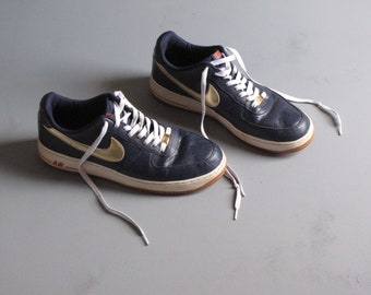 Vintage Nike Air Force 1 Navy Blue and Gold Tennis Shoes Mens - Size 12 7837b5b5d