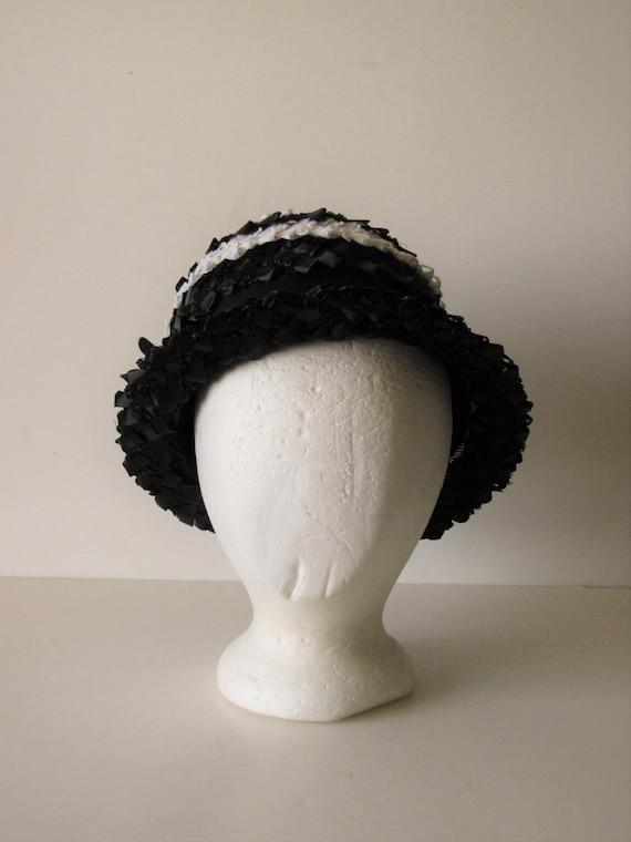 Vintage Black & White Summer Straw Hat - image 4