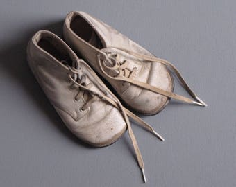 Vintage White Leather Baby Walker Lace Up Shoes