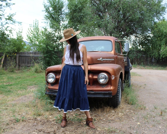 western denim skirt // broom skirt // eyelet lace… - image 3
