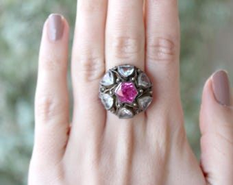 Vintage hand crafted Silver Ring Pink and White Paste Stones Glass  Flower