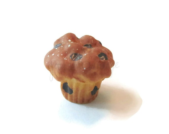 Muffin Pin Chocolate Chip Cupcake Button Food Jewelry Brooch Pinback Tie Coat Pin Purse Brooch Flair Pastry Baked Goods