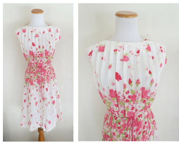 60's Floral Dress / 1960's Party Dress / Pleated Floral Dress / 60's Day Dress / Mid Century Dress / Size XS Small / Mad Men Dress