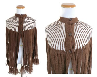Knit Poncho Shawl 70s Cape Warm Blanket Sweater 1970s Brown White Fringe Size XS Extra Small Tanbark Womens