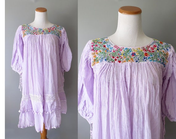 Mexican Embroidered Dress / Floral Embroidered Dress / Lavender Gauzy Cotton Sundress / Boho Hippie Dress / Oaxacan Dress / Medium Large
