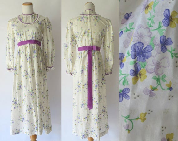 70's Maxi Dress / Floral Hippie Dress / Bow Back Dress / 1970's Wedding Dress / Prairie Dress / Eyelet Dress / Size Small