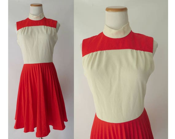 Mod Mini Dress 60s 70s Pleated Sleeveless Dress Red White High Neck 1960s 1970s Size Small S