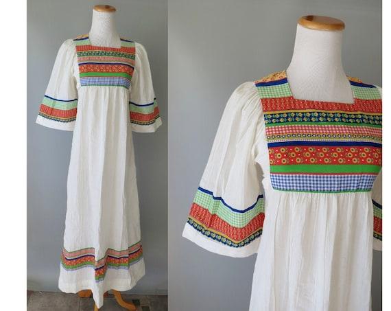 Hippie Maxi Dress / 70's Hippie Dress / Patchwork Dress / Size Small S / Folk Prairie Dress / Wide Sleeves / 1970's Maxi Dress