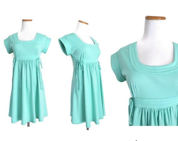Pastel Mini Dress / Mint Green Dress / 70's Mini Dress / Dolly Dress / Pastel Green Dress / Mod Mini Dress / Size Small Medium