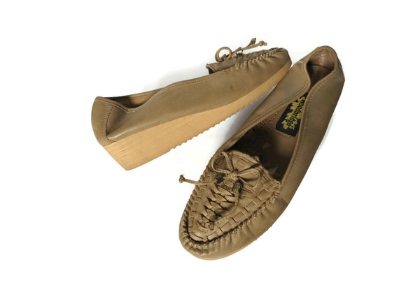 70's Moccasins / 1970's Wedges / Vegan Shoes / Woven Wedges / Size 9.5 10 / Faux Leather Wedges / Hippie Wedges