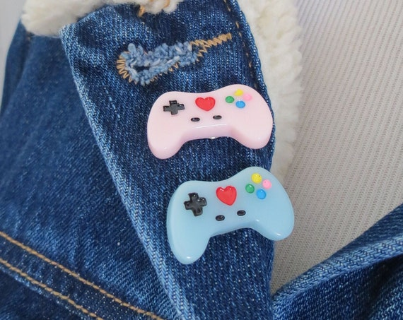 Gamer Pin Retro Video Game Controller Lapel Pin
