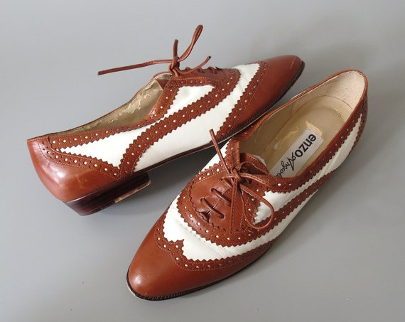 Lace Up Oxfords / Lace Up Flats / Size 8.5 / Enzo Angiolini Shoes / Pointy Toe Flats / Leather Brogues / Laced Oxfords / Perforated Longwing
