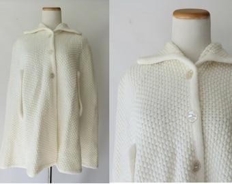White Poncho Sweater Cape Shawl Hippie Boho 70s 1970s Hippy Medium Bohemian Warm Cozy