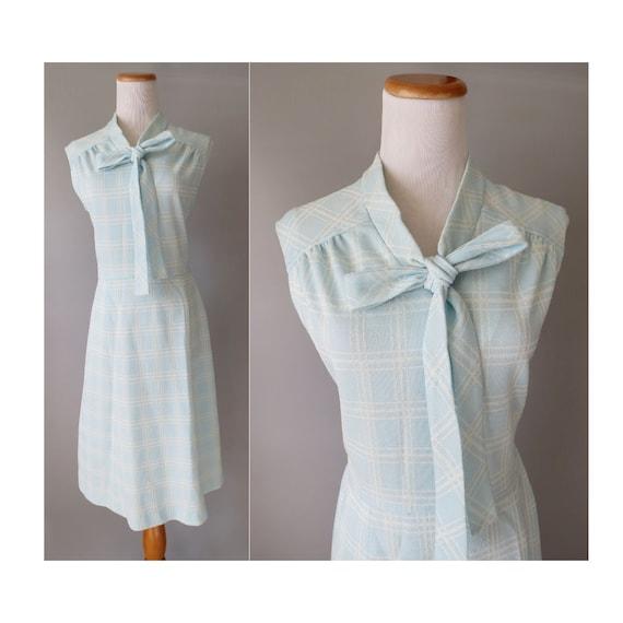 70's Bow Sundress / 1970's Sundress / Secretary Dress / Pastel Blue Plaid Dress / Size Medium M / Pussybow Dress / Ascot