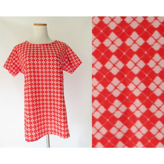 Mod T-shirt / Red Checkered Blouse / Harlequin Blouse / Red 70's Shirt / Size Medium / Boxy Top / 1970's Blouse