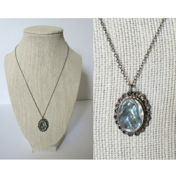 Abalone Shell Necklace Iridescent Pendant Necklace Mother of Pearl Seashell Silver Chain Dainty Rainbow Jewelry Vintage