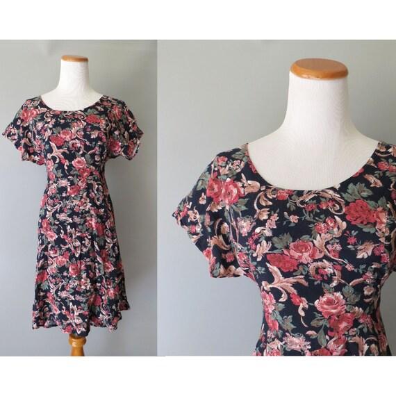 90's Floral Mini Dress / A-line Floral Dress / Rayon Dress / 1990's Casual Dress / Grunge Floral Dress / Size Medium
