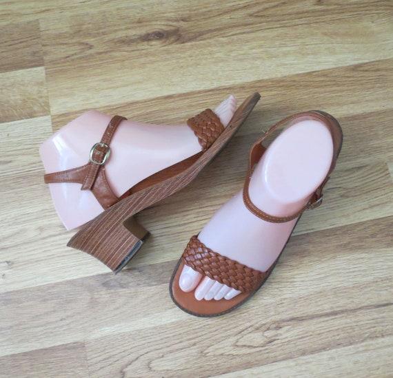 Strappy Woven Sandals / Vegan Sandals / 70's Heels / Boho Sandals / 1970's Heeled Sandals / Size 8 8.5 / Faux Leather Sandals / Boho Heels