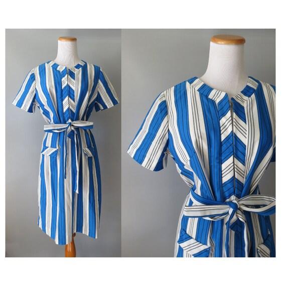 Mod Shift Dress / 60's Striped Dress / 1960's Dress / Belted Shift Dress / Size Large L / Blue White Striped Dress / Mid Century Mod Dress