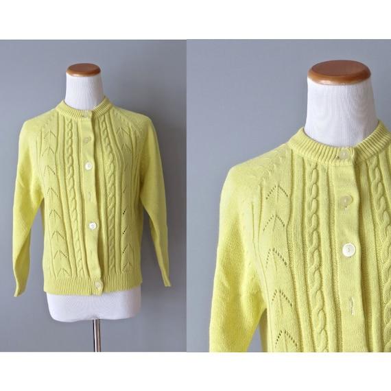 Yellow Cardigan Sweater / Yellow Knit Sweater / 60's Cardigan / 70's Grandma Cardigan / Size Medium / Bright Cardigan Sweater