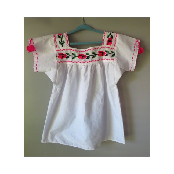 Girl's Mexican Top / Embroidered Blouse / Vintage Mexican Top / Peasant Blouse / Pink Floral / Boho Hippie / Vintage Girl's Clothing