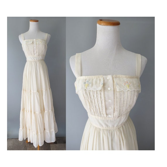 Gunne Sax Dress / 70's Wedding Dress / Hippie Sundress / Bohemian Wedding Dress / Boho Maxi Dress / Cream Maxi Dress / Embroidered / XXS XS