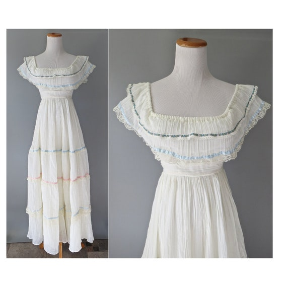 Gunne Sax Wedding Dress / Size 5 / 70's Hippie Dress / Boho Wedding Dress / Bohemian Lace Maxi Dress / Size XS / Off the Shoulder Dress