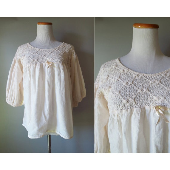 70's Peasant Top / Boho Blouse / Hippie Top / Lace Peasant Blouse / Cream Top / 1970's Blouse / Crochet Top / Size Medium Large