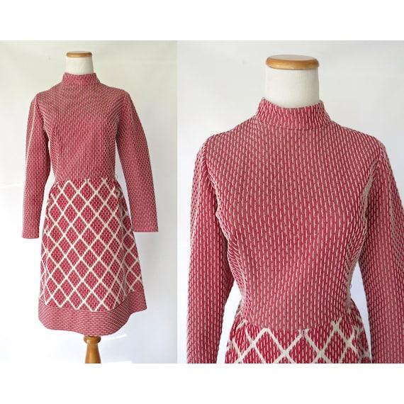 Mod Mock Neck Dress / 60's Mod Dress / Geometric Print Dress / Size Medium / Go Go Dress / Twiggy Dress / Burgundy Dress / 1960's Dress