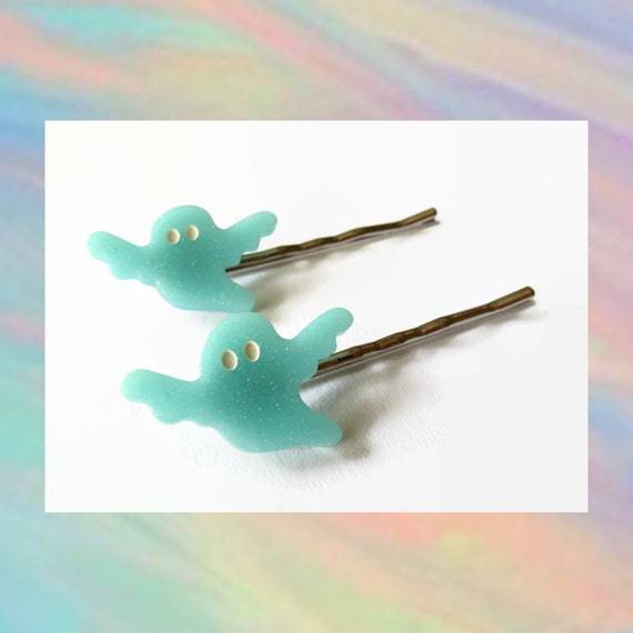 Ghost Bobby Pins Hair Clip Set Pastel Goth Kawaii Creepy Spooky Cute Halloween Hair Accessory Blue Sparkle Glitter