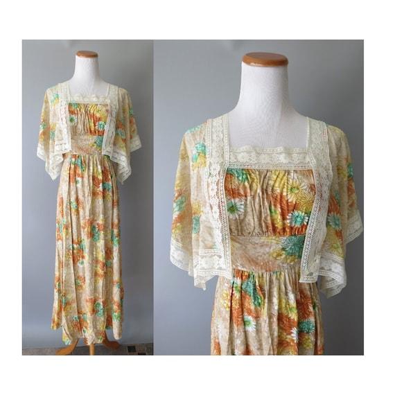 Boho Maxi Dress / 70's Hippie Dress / Flutter Sleeve Dress / Floral Bohemian Dress / Size Small S / 1970's Wedding Dress