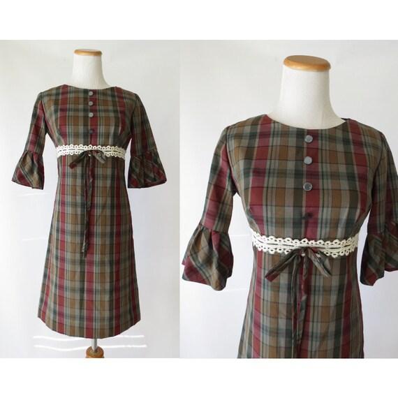 Mod Plaid Dress / 60's Mini Dress / Mod Bow Dress / 1960's Plaid Mini Dress / Size XS Small / Dolly Dress / Preppy Plaid Dress