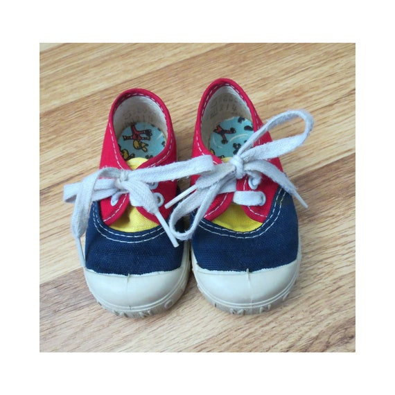 Baby Sneakers / Toddler Tennis Shoes / 80's Baby Shoes / Size 3 / Unisex Baby Sneakers / 1980's Shoes