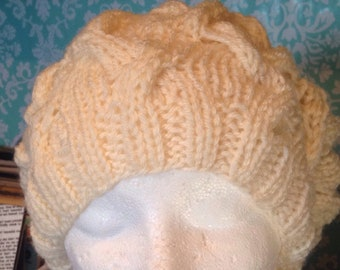 Off white cable knit slouchy beret.