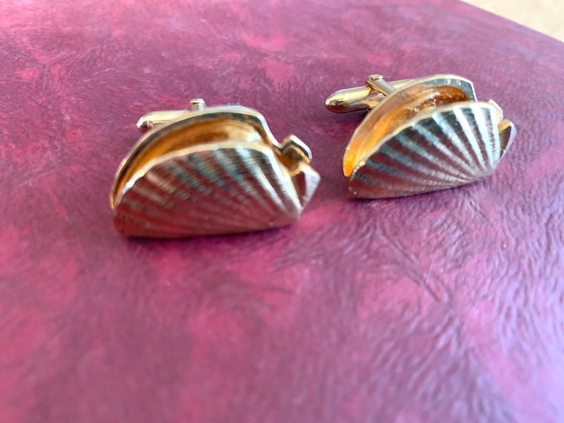 Gold Oyster Shell Cuff Links with Pearl