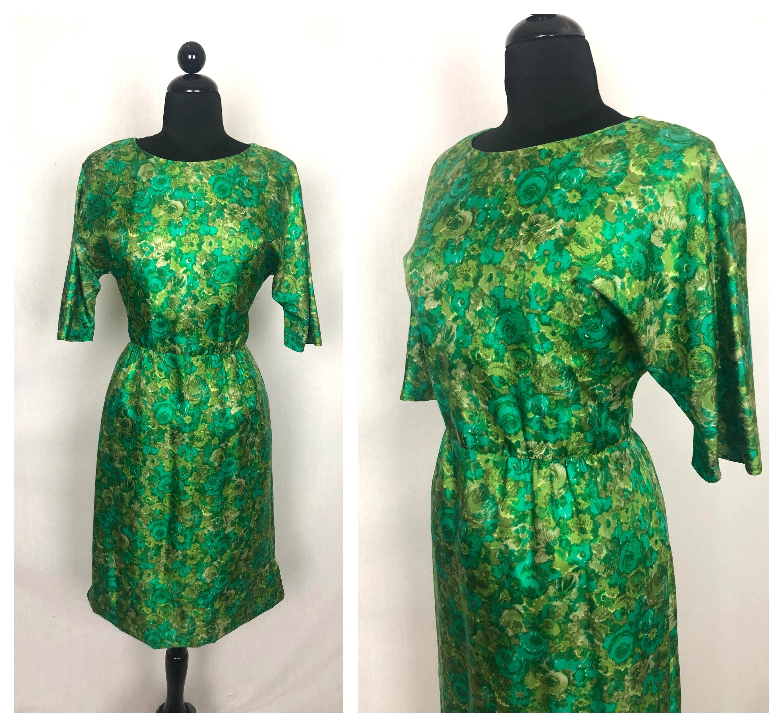 1950s Hats: Pillbox, Fascinator, Wedding, Sun Hats Vintage 1950s Green Floral Silk Wiggle Dress with Hidden Side Pockets By Modèle I. Magnin-Ique - Size Medium Large $29.00 AT vintagedancer.com