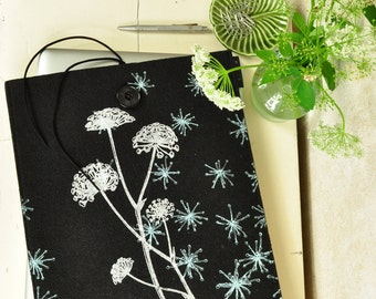 """13in MacBook Case for Pro / Air, Felt Laptop sleeve - ecofriendly black case 13"""" - Nature screenprint cover with Wild Flower Pattern"""