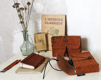 Vegan Felt Hard Drive Case, orange Eco friendly Mobile Hard Disk cover, Nature Lover gift with wild plant print, Camera Bag, Student Gift