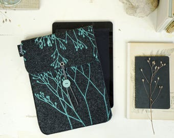 Vegan iPad Case, Mint on Dark Grey, Wild iPad sleeve, Felt Cover screenprinted, Nature Lover Gift, Tablet Cover, Student Gift ecofriendly