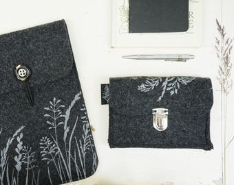 Vegan Felt Hard Drive Bag, light and dark Grey Eco friendly Mobile Hard Disk Case, Nature Lover gift plant print, Camera cover, Student Gift
