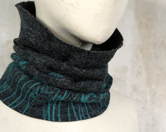 Kidswear Neckwarmer, Kids Scarf ecofriendly with Floral Print, Beanie Hood Loopscarf, Gift for Kids, Charcoal Loop with Turquoise Meadow