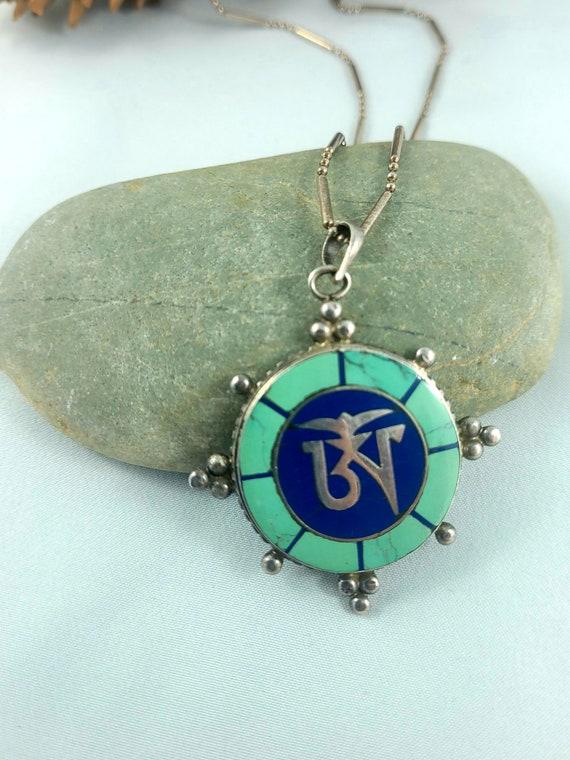 STERLING Silver Curb Chain Rock Crystal Pendant VINTAGE Spiritual OM Symbol Polished Cabochon.