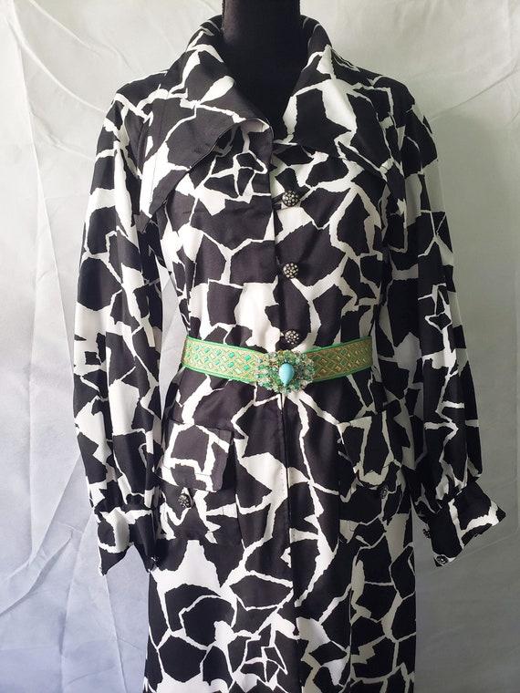 70s Black & White ANIMAL PRINT CAFTAN with black … - image 9