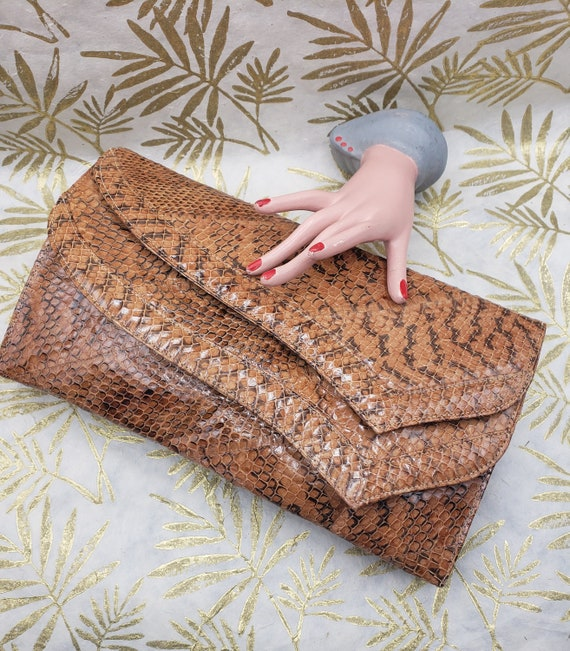 80s Two Pocket Genuine Snakeskin Clutch / 80s Vint