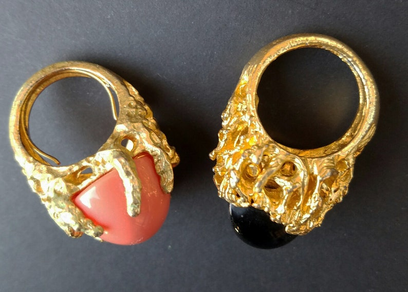 Lot of 2 PANETTA style black and coral colored vintage COCKTAIL RINGS  Abstract or modernist style faux onyx or coral cocktail rings