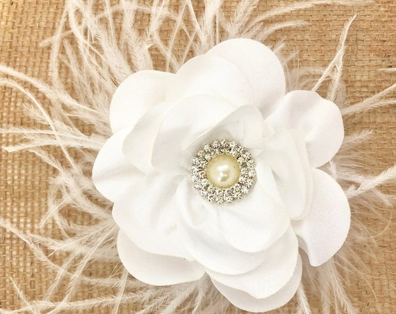 Wedding Hair Accessories, White Flower Hair Clip, White Feather headpiece, Communion Hair Clip, White Flower Bridal Hairpiece, Bride Maids