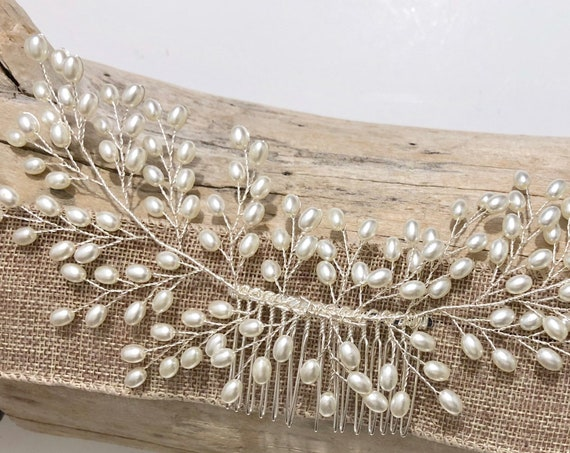 Wedding Hair Comb, Pearl Hair Comb, Bridal Pearl Hair Comb, Vintage Wedding Comb, Pearl Wedding Hair piece, Bridal Wedding Headpiece