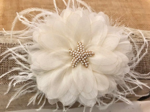 Starfish Fascinator, Wedding Fascinator, Ivory Floral Feather Hair Clip, Bridal Flower Clip, Beach Bride Wedding