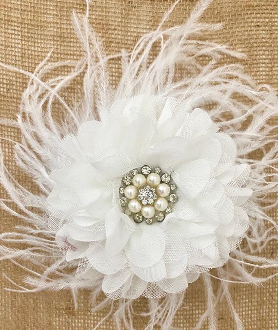 Wedding Fascinator, Vintage Wedding Bridal Hair piece, White Flower Hair Clip, Kentucky Derby White Fascinator, Communion Flower Crown