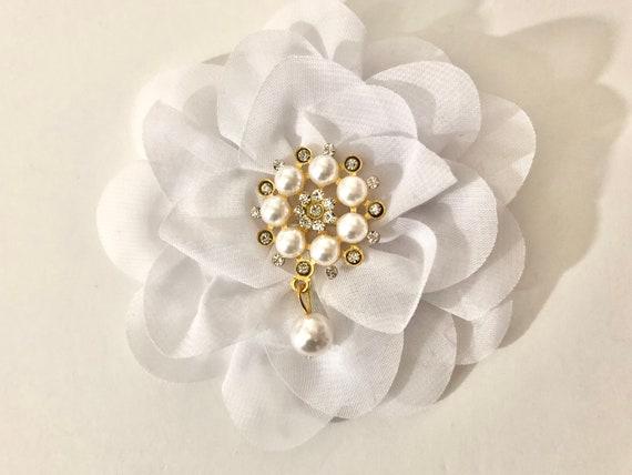 White Crystal Pearl Clip,White Flower Hair Clip, Wedding Pearl Hair Clip, Communion Hair Clip, White Silver Hair Clip,Bridal Pearl Hair Clip